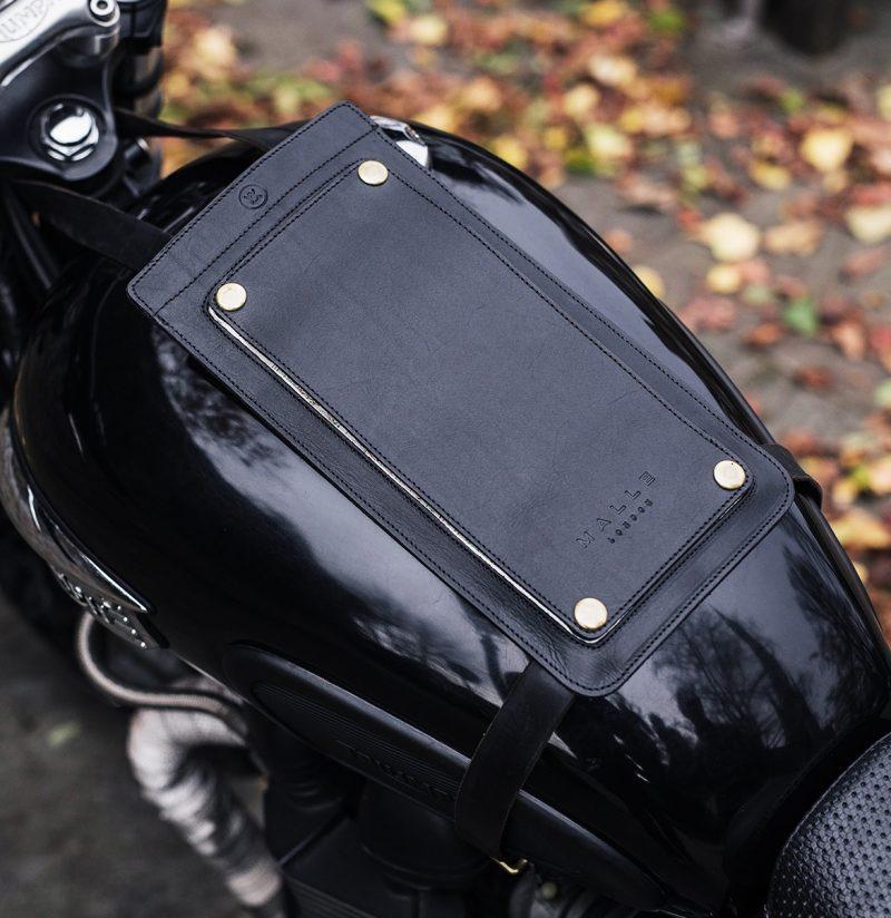 Le Garage(ル・ガラージュ)MALLE LONDON マレ ロンドン「過酷なラリーに耐えうるバッグを作る」
