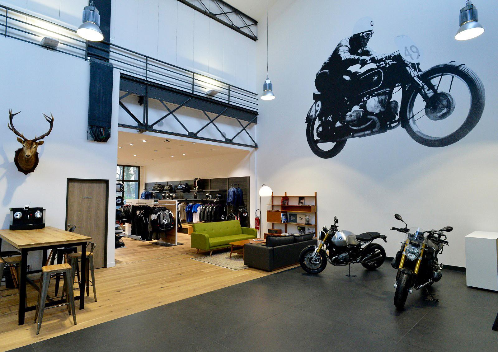 ガレージハウス計画 No.1 「BMW MOTORRAD のある生活」