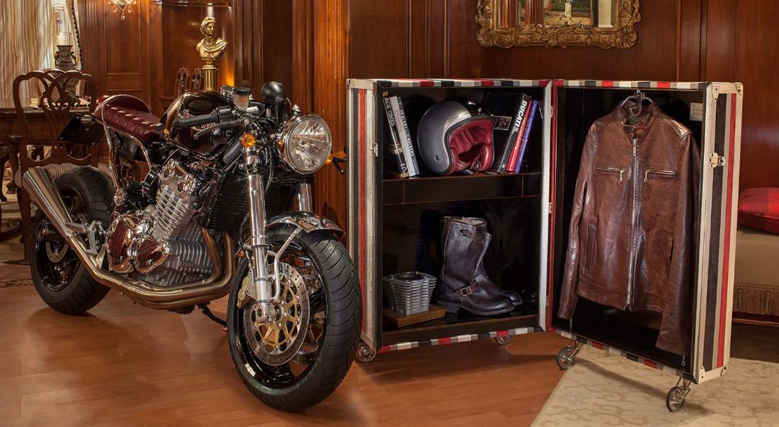 MrMartini マルティーニ bugsuite 洗練されたバイクウェア専用ラック