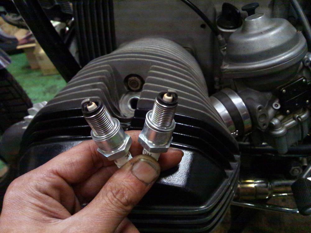 BMW R100RS バルブクリアランス調整 モギーモータースにて