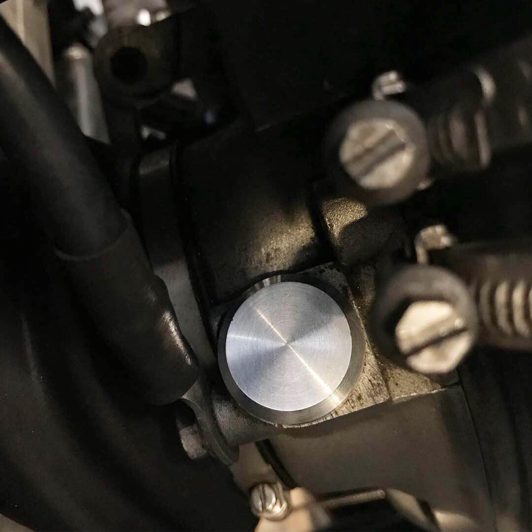 r100rs スピードメーター ブラインドキャップ メクラキャップ
